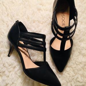 Sole society strappy black pump
